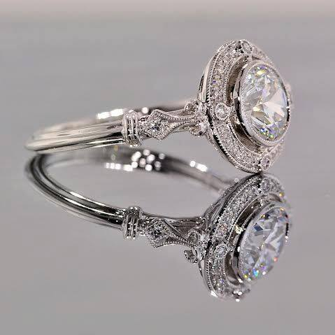 The experts at HPdiamonds created this masterpiece to give off the vintage, art deco style for their Crafted by Infinity Diamond.